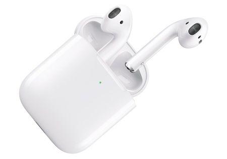 Стильные наушники Apple AirPods 2: фото