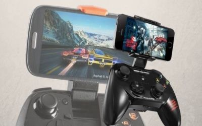 The battle of iOs mobile devices gamepad controllers