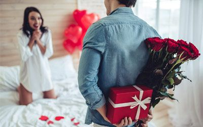 Best valentine gifts for wife min: photo
