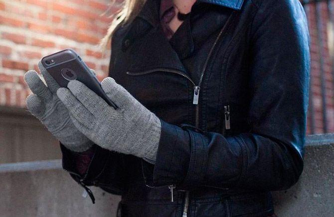 Best touchscreen gloves: photo